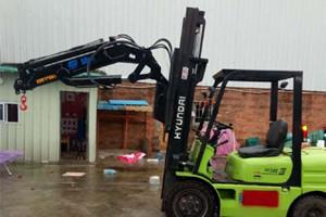 3吨叉车吊_3吨叉车飞臂吊图片