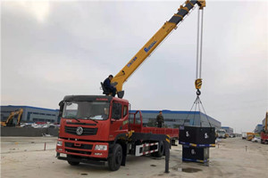 12吨G型世技卡特后双桥随车吊图片