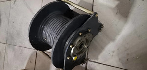 绞车卷扬机、多路阀、油缸总承吊机配件图片